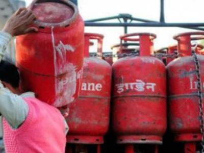 बजट से पहले मोदी सरकार का आम लोगों को तोहफा, गैस सिलेंडर इतने रुपये हुआ सस्ता