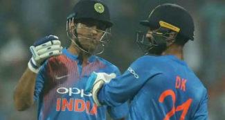 महेन्द्र सिंह धोनी ने खेला ऑस्ट्रेलिया में अपना आखिरी मैच, वायरल हो रहा रोंगटें खड़े कर देने वाला वीडियो