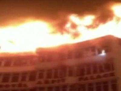 दर्दनाक हादसे से दहली दिल्ली, अब तक 11 ने गंवाई जान, कमजोर दिल वाले ना देखें वीडियो
