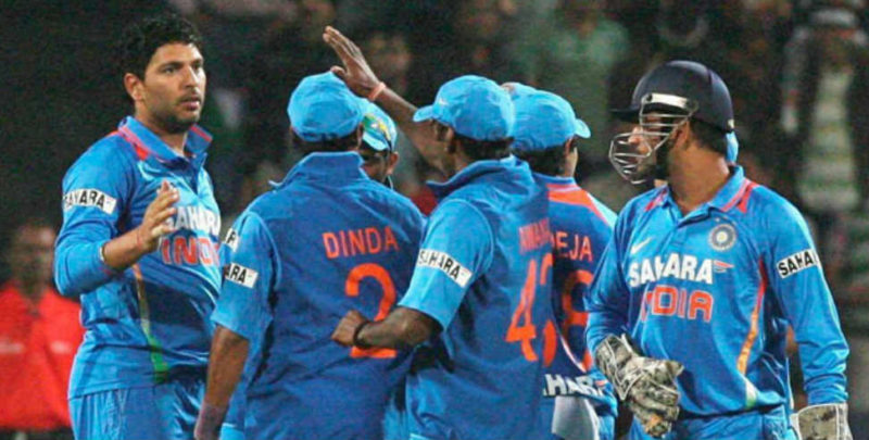 टीम इंडिया के तेज गेंदबाज के सिर में लगी सीधी बॉल, जान जाते-जाते बची, वीडियो वायरल