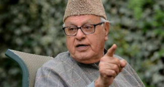 पुलवामा हमले पर फारुक अब्दुल्ला का हैरान करने वाला बयान, सिर्फ पाकिस्तान जिम्मेदार नहीं