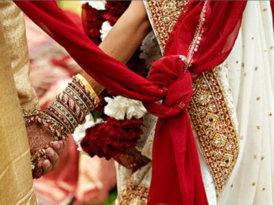 दरवाजे पर पहुंची बारात बेरंग लौटी, दुल्हन ने प्रेमी के साथ मंदिर में लिये सात फेरे