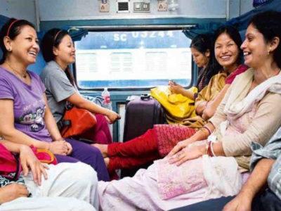 महिला दिवस : क्या आप जानती हैं रेलवे देता है आपको ट्रेन में ये खास अधिकार