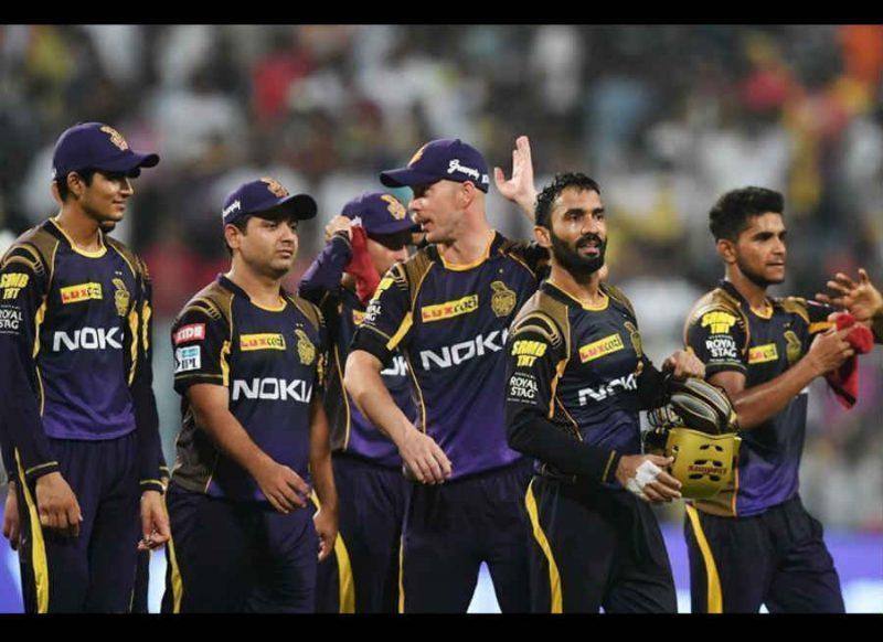 लगातार हार से परेशान केकेआर, कप्तान दिनेश कार्तिक, उथप्पा समेत चार खिलाड़ियों को छुट्टी पर भेजा