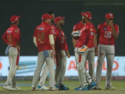 क्रिकेट इतिहास में पहली बार हुआ ऐसा, बीच मैदान से अचानक गेंद हो गई गायब, सामने आया ये सच