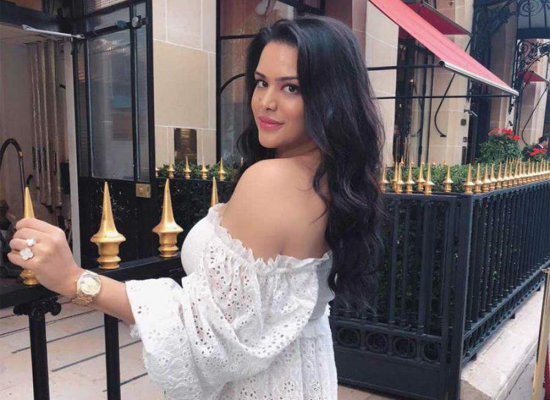 किसे डेट कर रही है संजय दत्त की बेटी? तस्वीर पोस्ट कर कह दी दिल की बात