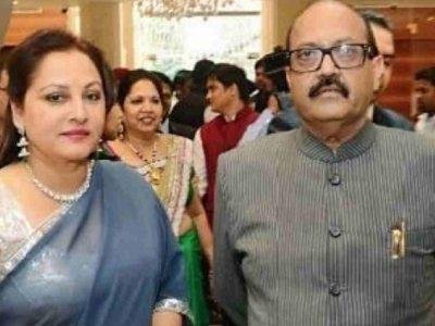 उपचुनाव से पहले रामपुर में जया प्रदा ने गुनगुनाया फिल्मी गाना, डिंपल के खिलाफ ताल ठोंकने की तैयारी