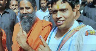 मतदान के पहले दिन बाबा रामदेव का सधा हुआ ट्वीट, विपक्ष को लग सकती है मिर्ची