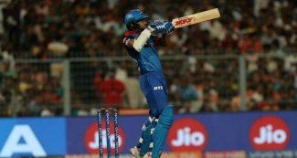 शिखर धवन ने रचा इतिहास, आईपीएल में ऐसा कारनामा करने वाले बनें पहले बल्लेबाज