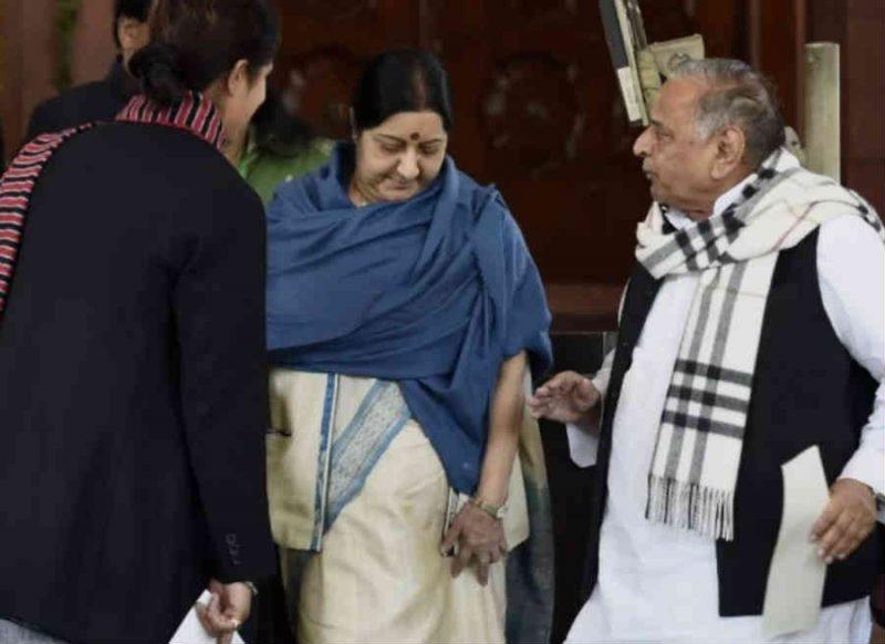 सुषमा स्वराज का मुलायम सिंह यादव पर करारा तंज, भीष्म पितामह ! द्रोपदी के चीरहरण पर मौन क्यों ?