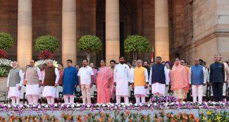 भारत से पाक तक, अखबारों में मोदी के इस मंत्री की अमित शाह से ज्यादा चर्चा
