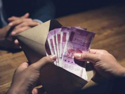 कोरोना की वजह से नहीं निकाल पा रहे ATM से पैसे, तो ऐसे घर पर बैठे मंगवा सकते हैं कैश