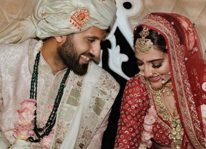 पति से खटपट के बीच नुसरत जहां ने सोशल मीडिया से हटा दी शादी की सारी तस्वीरें
