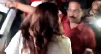 Video : उत्तर प्रदेश में पूर्व विधायक की प्रेमिका का हंगामा, भीड़ के सामने ही खोलकर रख दी पोल