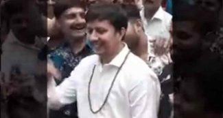 कैलाश विजयवर्गीय के बेटे आकाश का डांस Video, अधिकारी को जमकर कूटा था, अब 'खलनायक' की धुन पर थिरके