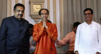 कर्नाटक वाला 'खेल' महाराष्ट्र में दोहराने की तैयारी में बीजेपी, नाराज विधायकों को साधने में जुटी