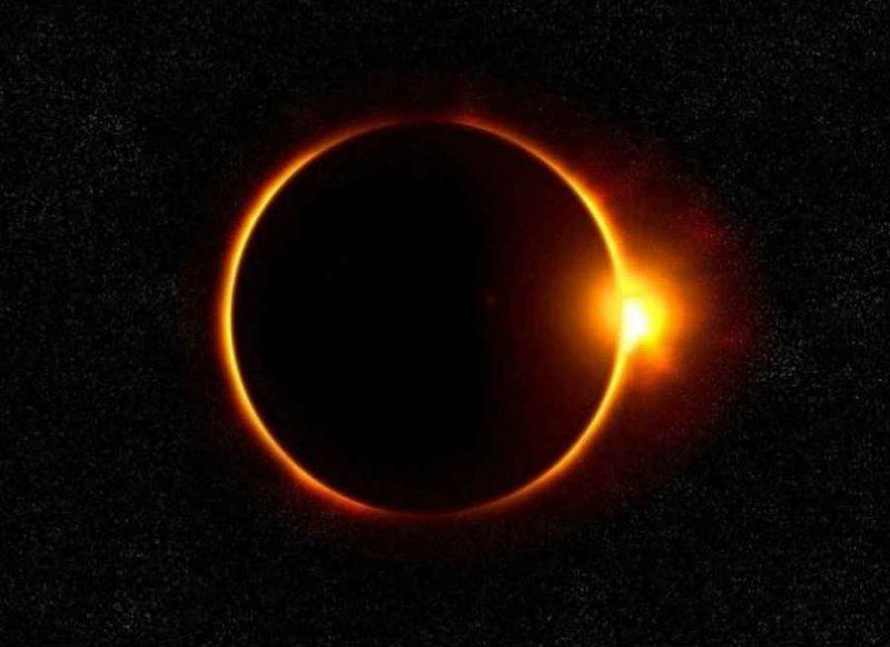 शनि जयंती के दिन लग रहा है साल 2021 का पहला सूर्य ग्रहण, इस एक राशि पर सबसे ज्यादा असर