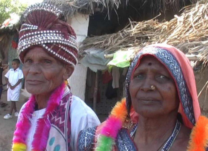 अनोखी शादी- 73 का दूल्हा, 76 की दुल्हन, 50 साल लिव में रहने के बाद सात फेरे लिये, हो रही खूब चर्चा
