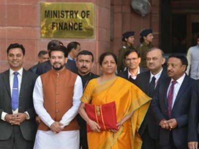 बजट 2020- जानिये वित्त मंत्री निर्मला सीतारमण ने क्यों पहनी पीले रंग की साड़ी, वजह है बेहद खास