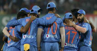 रोहित-धोनी की तारीफ और विराट कोहली के लिये कही ऐसी बात, टीम इंडिया के क्रिकेटर का बवाली बयान