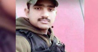 पुलवामा हमला- CRPF के उसी बस में सवार था ये जवान, मैसेज की वजह से बची थी जान