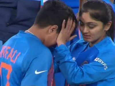 टी-20 विश्वकप गंवाने के बाद शेफाली वर्मा को दोहरा झटका, टीम से बाहर और छिना…