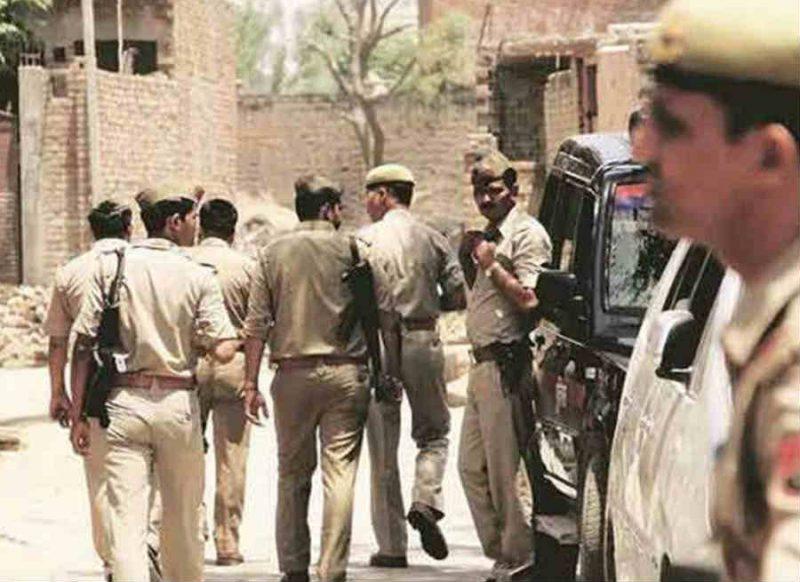'8 पुलिस वाले शहीद हो गये- किसी आतंकवादी से मुठभेड़ में नहीं, बल्कि स्थानीय गुंडे को पकड़ने में'