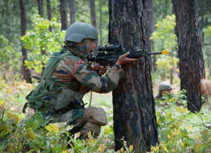 जम्मू-कश्मीर: सोपोर में CRPF पेट्रोलिंग पार्टी पर आतंकी हमला, 2 जवान शहीद, सर्च ऑपरेशन जारी