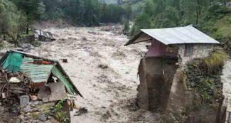 उत्तराखंड में बादल फटने से 3 की मौत, भारी तबाही, इन राज्यों में भी भारी बारिश की चेतावनी