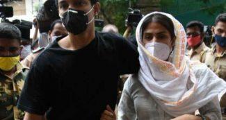 सुशांत केस: पकड़ा गया एक और ड्रग पेडलर, अब रिया के पिता को लेकर भी बड़ा सच आया सामने