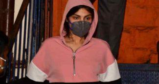 कोई डॉन की प्रेमिका, तो कोई वेश्यावृत्ति में, रिया चक्रवर्ती से पहले ये हीरोइनें जा चुकी है जेल