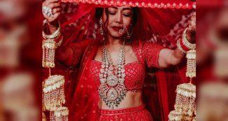 नेहा कक्कड़ ने घूंघट ओढ़ अपनी शादी में 'नाच मेरी लैला' पर किया धमाकेदार डांस, Video Viral