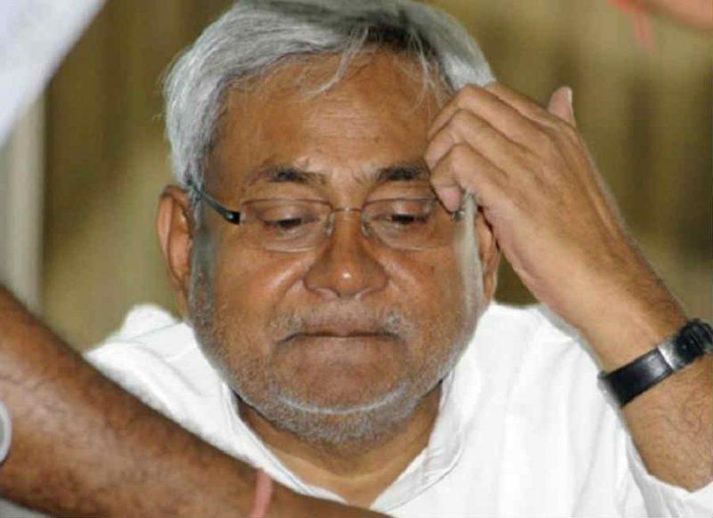विधानसभा चुनाव से ऐन पहले नीतीश कुमार को झटका, CM के बेहद करीबी JDU मंत्री का निधन