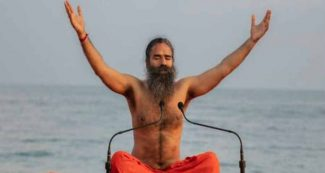रामदेव का खुला ऐलान, अगले 10-20 साल मोदी का विकल्प नहीं, राहुल करें त्रियोग, दिग्विजय मौन योग!