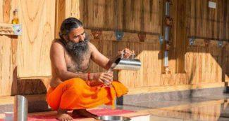 बाबा रामदेव ने अपने रिश्तेदारों को सौंपी हैं पतंजलि में ये जिम्मेदारियां, भाई से बहनोई तक शामिल