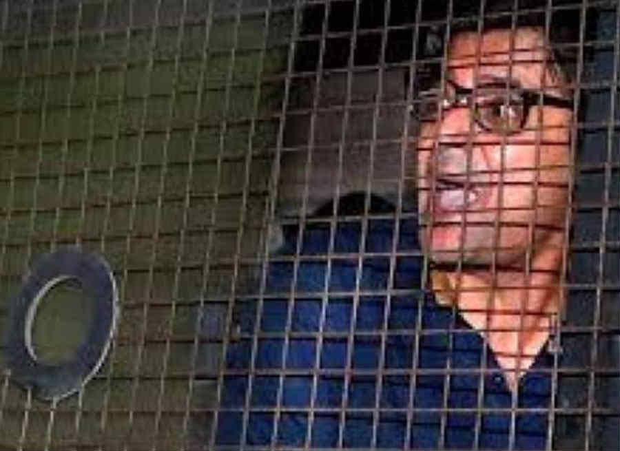 Arnab Goswami taloja jail 1
