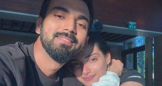 फैन ने की केएल राहुल के साथ Unseen तस्वीर की डिमांड, सुनील शेट्टी की बेटी ने दिया ऐसा जवाब!
