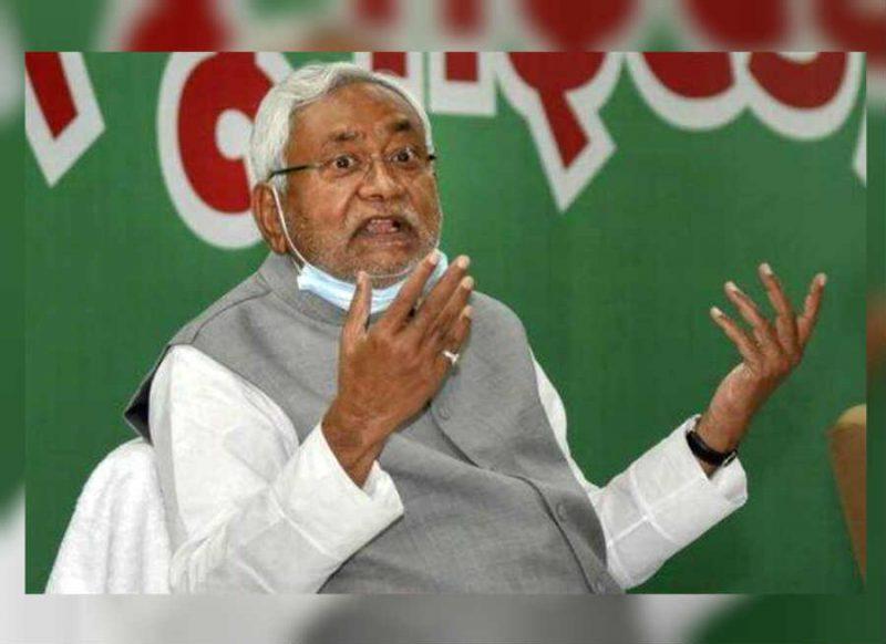 राजनीति से संन्यास के बयान पर नीतीश कुमार ने मारी पलटी, चुनाव जीतने के बाद कर दिया खेल