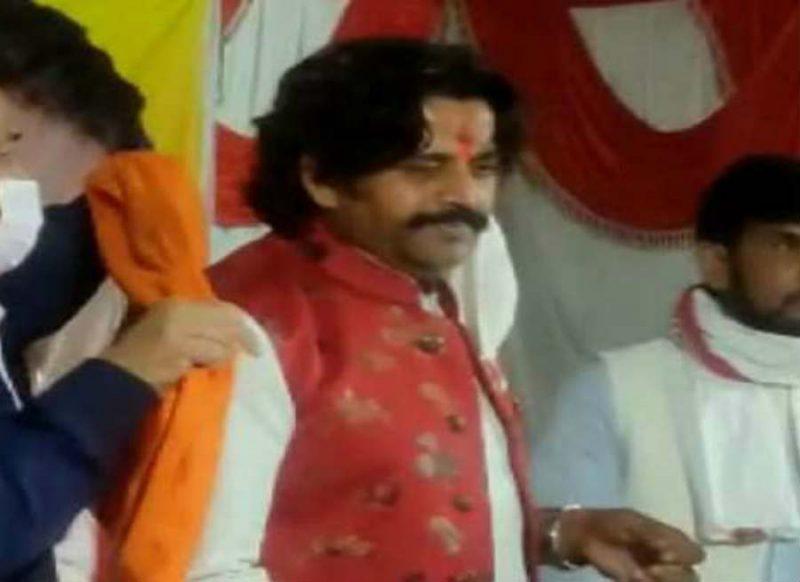 ऐसे कौन स्वागत करता है भाई, धूम मचा रहा रवि किशन का वीडियो!