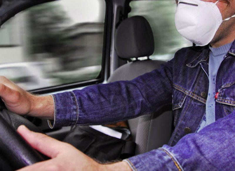 कार में अकेले बैठे हुए भी लगाना होगा मास्क? जानिये सुप्रीम कोर्ट ने क्या कहा?