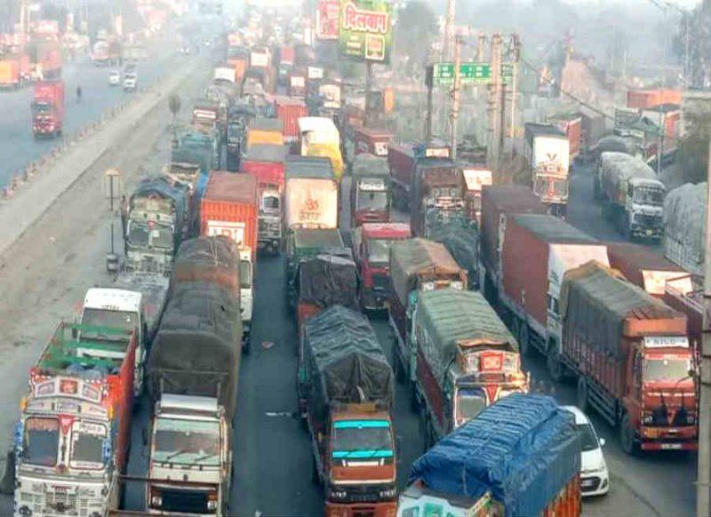 ट्रैफिक Advisory: दिल्ली-नोएडा के ये रास्ते बंद हैं, किसी भी तरह के वाहन पर प्रतिबंध