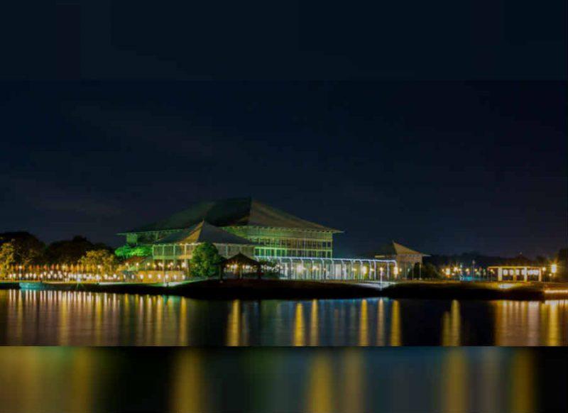 दुनिया के 7 सबसे बेहतरीन संसद भवन की खूबसूरती देख हो जाएंगे हैरान, बहुत खास हैं