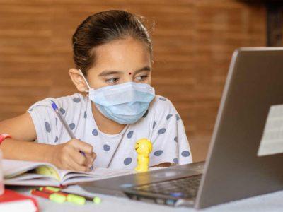 ऑनलाइन पढ़ाई का बच्चों के ब्रेन पर पड़ रहा असर, टेंशन नहीं ये 10 ब्रेन फूड खिलाइए