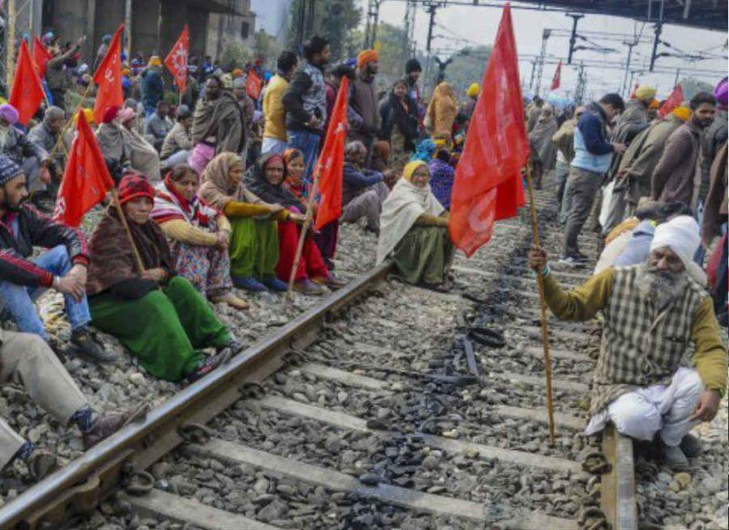 किसान आंदोलन के कारण रेलवे ने रद्द की कई ट्रेनें, कई का बदला रूट, यहां देखें पूरी लिस्ट