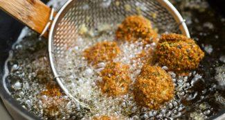Cooking Oil: खाना पकाने के लिए कौन सा तेल है बेस्ट और कौन सा है नुकसानदायक?