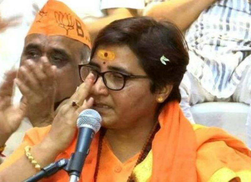 पार्टी में भाव नहीं मिलने से खफा है साध्वी प्रज्ञा ठाकुर, घर पर गुप्त मीटिंग, फोन तक बाहर रखवाये!