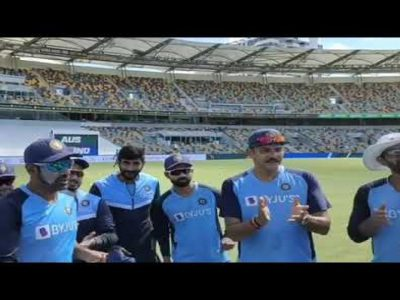 सिर्फ एक कान से सुन पाने वाले क्रिकेटर ने टीम इंडिया के लिये किया डेब्यू, बने 301वें क्रिकेटर!