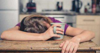 हर वक्त थकान से टूटता है शरीर तो इन बातों का रखें ध्यान, हमेशा रीचार्ज रहेंगे