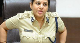 महिला दिवस IPS डी रुपा- उमा भारती को गिरफ्तार, शशिकला की खोली पोल, येदियुरप्पा से टकरा गई!