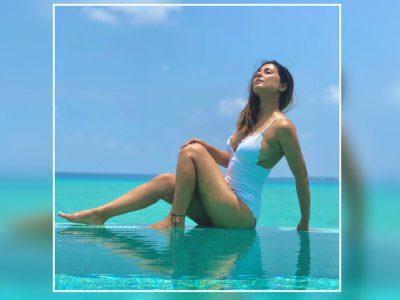 हिना खान ने पहनी आसमानी रंग की खूबसूरत बिकिनी, मालदीव में दिए जबरदस्त पोज, लग रहीं जलपरी